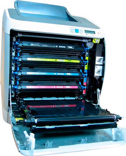 Принтер с установленными картриджами